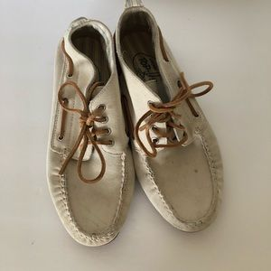 Sperry lace flat